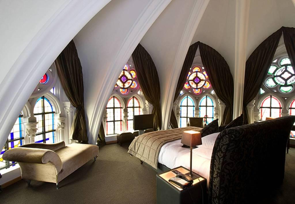 Шторы в готическом стиле